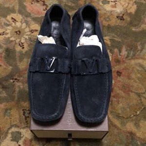 $295 MENS LIKE NEW LOUIS VUITTON BLUE LOAFERS